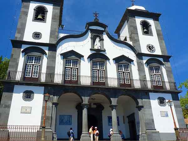 funchal-is-home-to-beautiful-old-churches