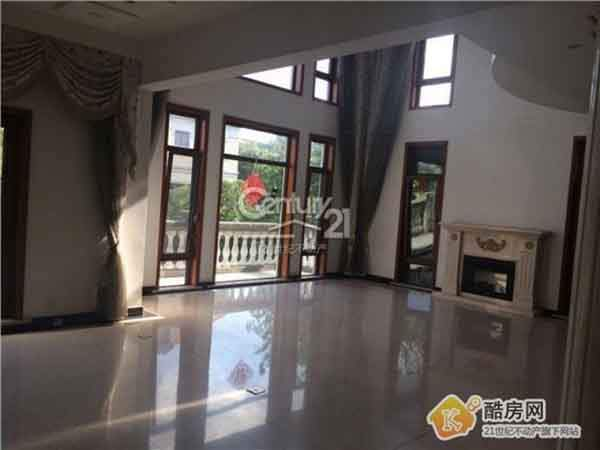 in-shanghai-5-million-will-get-you-a-five-bedroom-three-story-townhouse-within-3595-square-feet