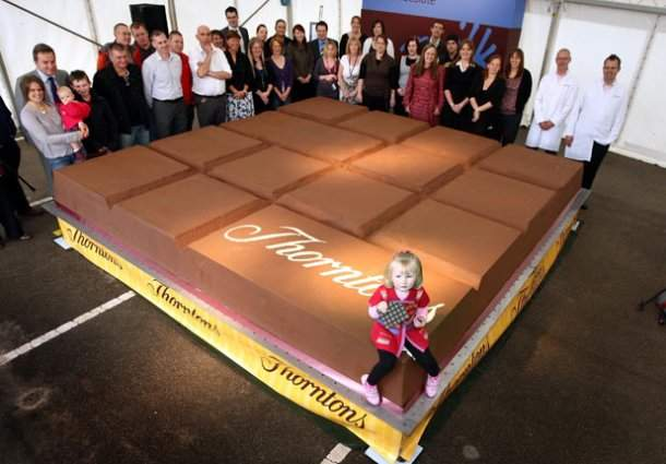 www.digitalspy.co_.uk-618_odd_worlds_largest_chocolate_bar