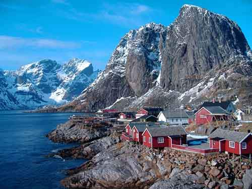 10-perfect-countries-for-travelling-alone-artnaz-com-1