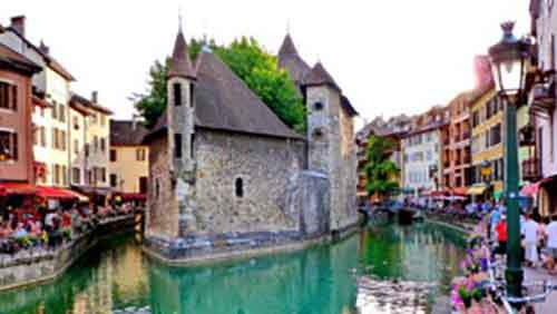 2-prettiest-towns-in-the-alps