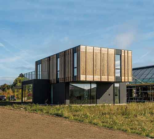 3036181-slide-s-1-this-house-adapts-as-families-grow-or-divorce