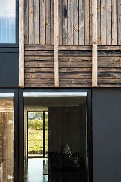 3036181-slide-s-4-this-house-adapts-as-families-grow-or-divorce