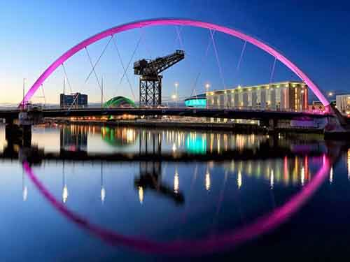 at-night-glasgows-clyde-arc-bridge-lights-up