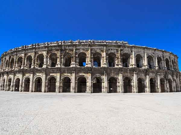 see-the-ruins-of-an-ancient-roman-amphitheater-in-nimes