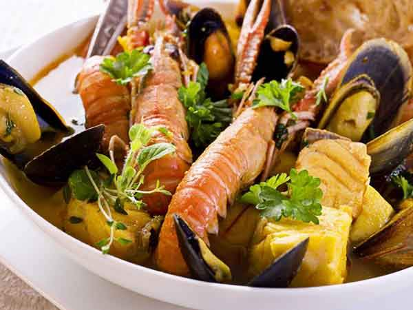 slurp-up-a-bowl-of-bouillabaisse-fish-stew-in-its-birthplace-marseille