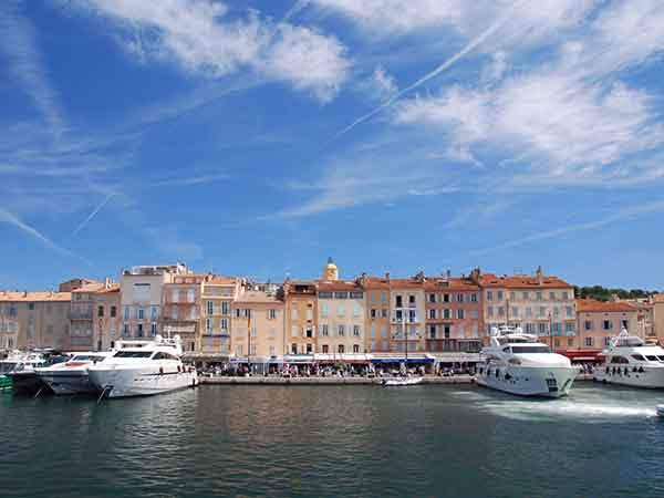 yacht-around-saint-tropez