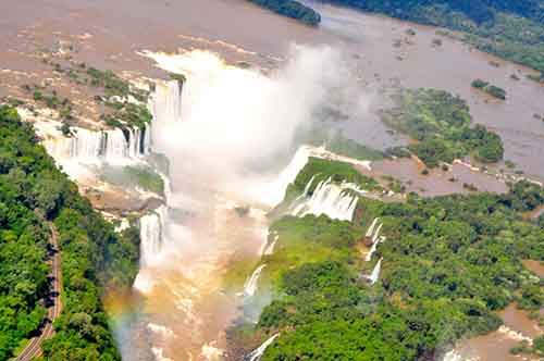 Aerial-view-of-Iguazu-Falls-940x624