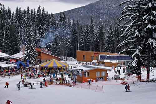 10-affordable-resorts-who-cant-imagine-winter-without-skiing-and-snowboarding-artnaz-com-1