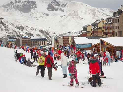 10-affordable-resorts-who-cant-imagine-winter-without-skiing-and-snowboarding-artnaz-com-10