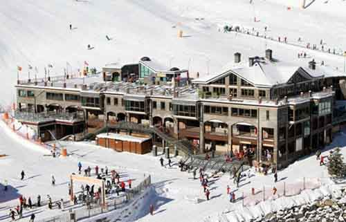 10-affordable-resorts-who-cant-imagine-winter-without-skiing-and-snowboarding-artnaz-com-6