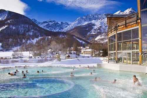 10-affordable-resorts-who-cant-imagine-winter-without-skiing-and-snowboarding-artnaz-com-8