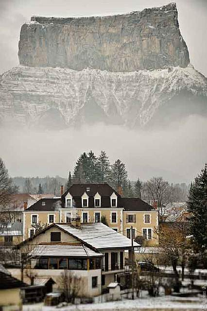 25-picturesque-towns-that-become-even-more-beautiful-with-the-arrival-of-winter-artnaz-com-17