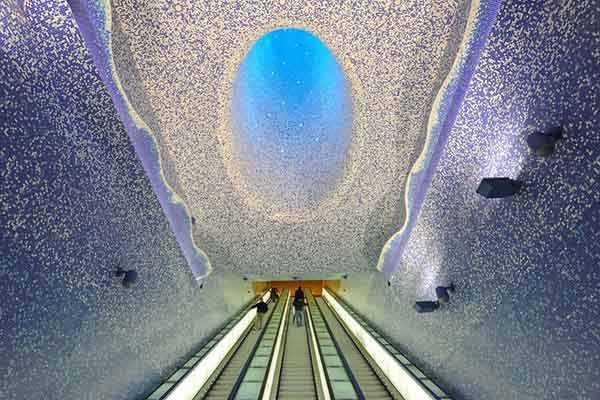 ITALY-SUBWAY-ART-NAPLES  MLP2759