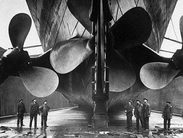 historical-photos-pt9-titanic-propellers