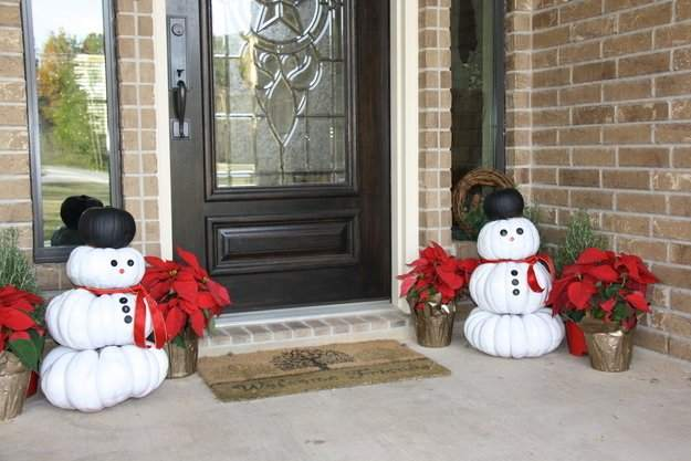 Reuse-your-leftover-Halloween-pumpkins-to-make-snowmen