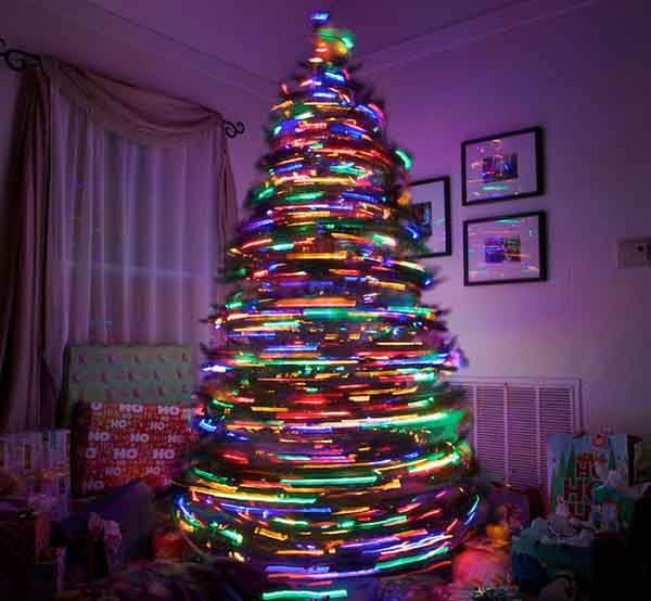 XX-Of-The-Most-Creative-Christmas-Trees-Ever33__700