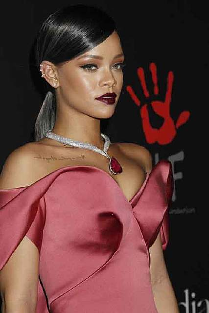 bigstock-LOS-ANGELES-DEC-Rihanna-781362831