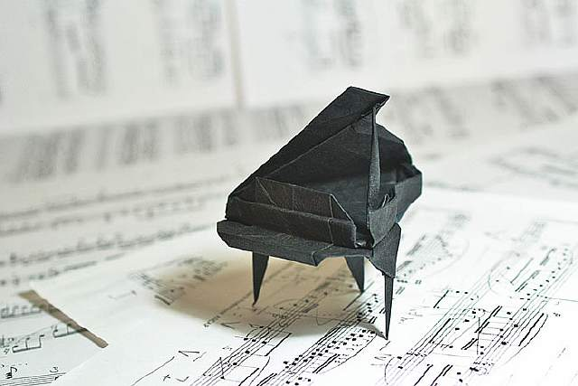 origami-paper-art-grand-piano-patricia-crawford__700