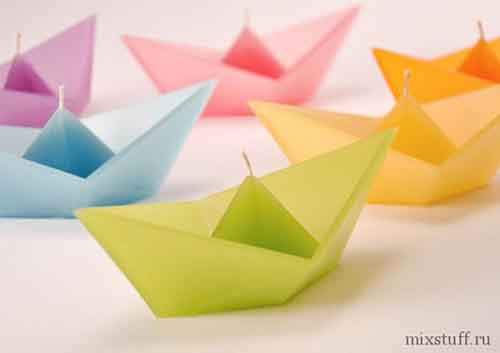 Floating-Origami-Boat-Candle