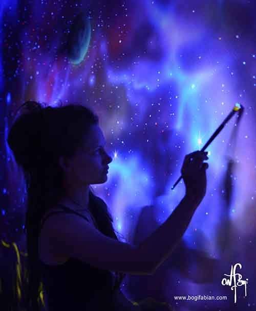 Glowing-murals-by-Bogi-Fabian-wcth11