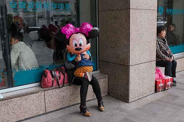 self-taught-perfectly-timed-street-photography-china-tao-liu-17