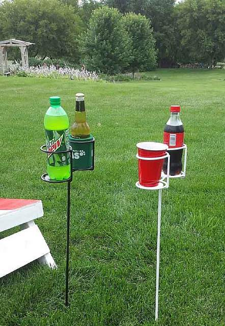 Outdoor-Drink-Stakes
