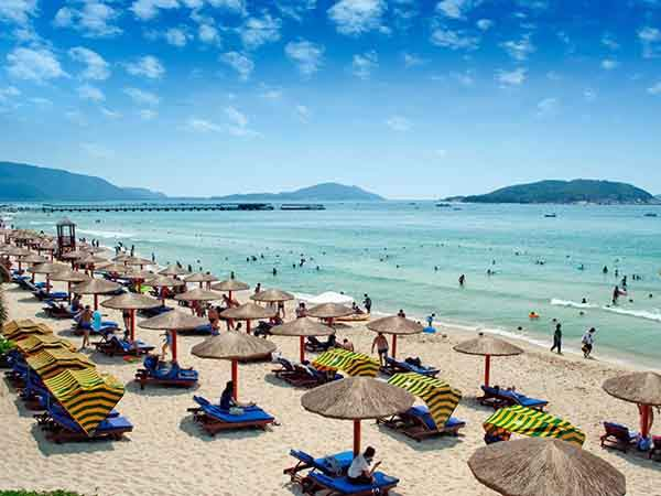 sunbathe-on-the-beaches-of-hainan