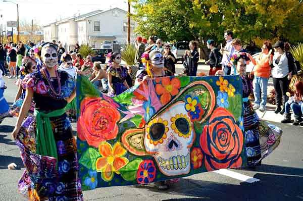 unique-festivals-around-the-world-dia-de-los-muertos-mexico