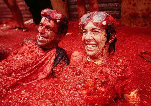 unique-festivals-around-the-world-la-tomatina-3