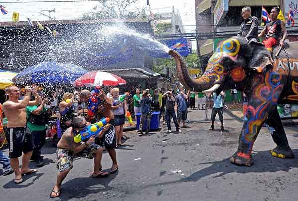 unique-festivals-around-the-world-songkran-water-festival-thailand__880