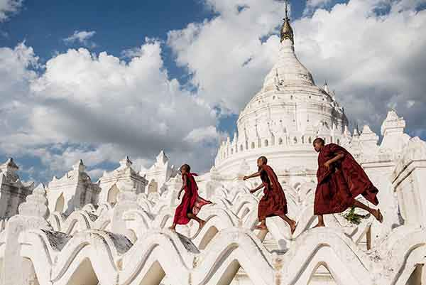 smithsonian-photo-contest-buddhist-monks