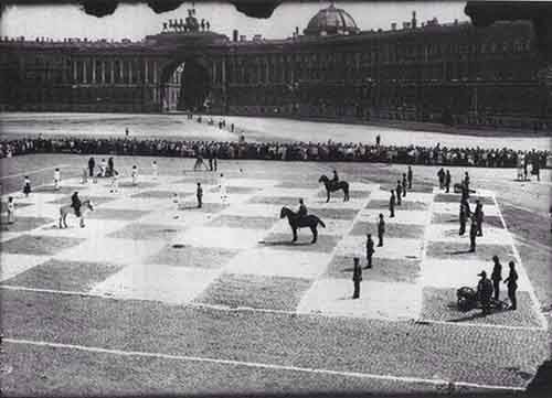 1924.-A-game-of-human-chess-with-actual-soldiers.-St.-Petersburg-Russia.-1924