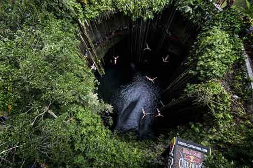 diving-into-the-abyss-redbull-yucatan-peninsula