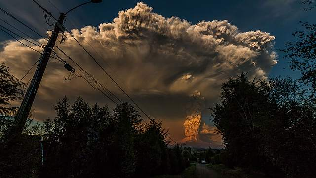 volcano-eruption-calbuco-chile-16__880