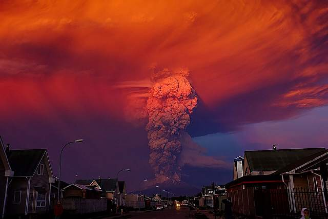 volcano-eruption-calbuco-chile-19__880