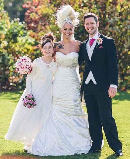 this-couple-wanted-to-look-good-at-their-wedding-and-this-is-what-happened-artnaz-com-8