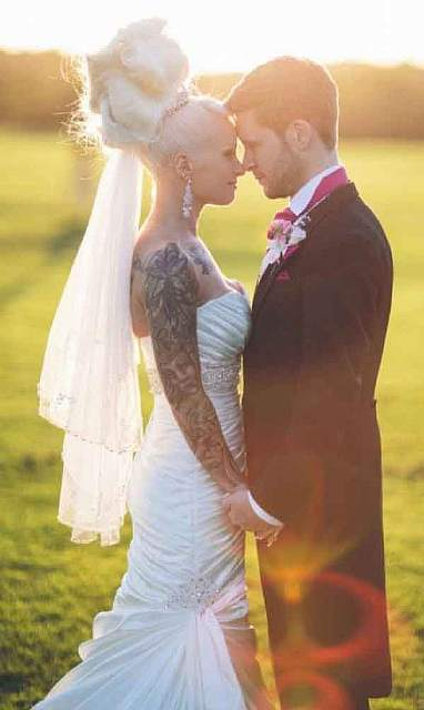 this-couple-wanted-to-look-good-at-their-wedding-and-this-is-what-happened-artnaz-com-9