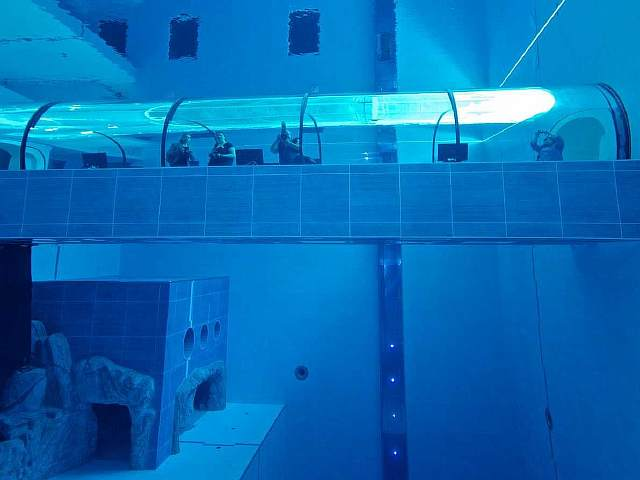 the-y-40-pool-located-inside-the-hotel-terme-millepini-in-padua-italy-is-the-worlds-deepest-swimming-pool-sinking-4214-meters-in-depth