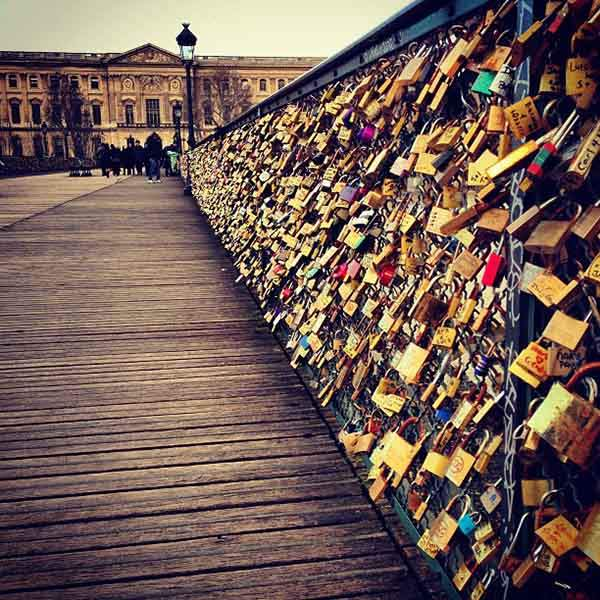 Love-Lock-Bridge-Pont-de-lArcheveche-Bridge