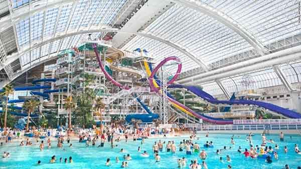 World-Waterpark-in-Alberta-Canada