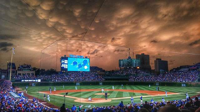 mammatus-clouds-over-wrigley-field-june-2015