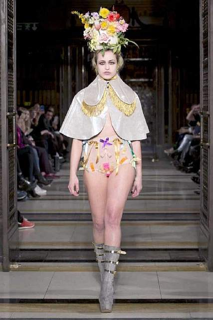 weird-bizarre-eccentric-fashion-9