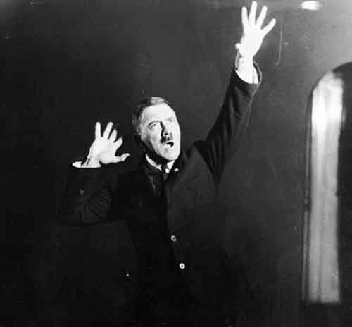 10-adolf-hitler-practices-speeches-610x566