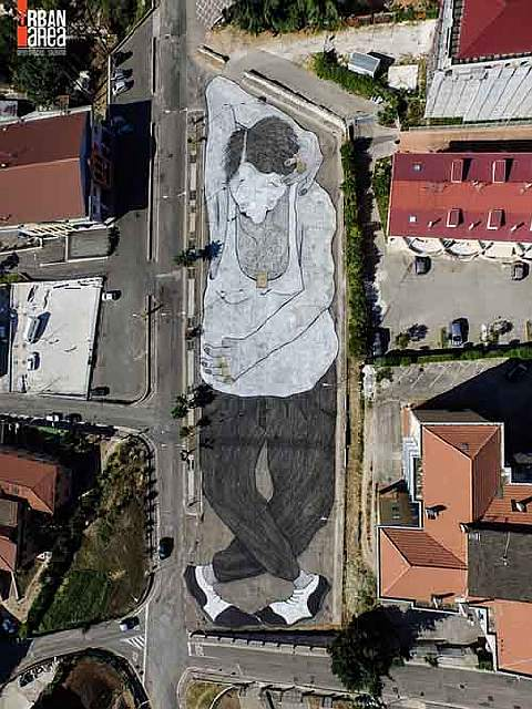 20-works-of-street-art-that-conquered-us-in-2015-artnaz-com-14