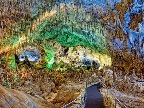 carlsbad-caverns-is-a-giant-network-of-underground-limestone-caves-in-new-mexico