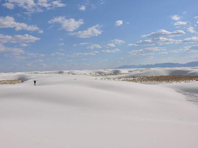 the-snow-white-dunes-of-gypsum-sand-stretch-over-275-square-miles-of-desert-at-white-sands-national-monument-in-new-mexico