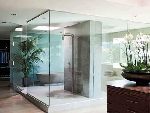 01-michael-bay-master-bathroom-lgn-e1395248434276
