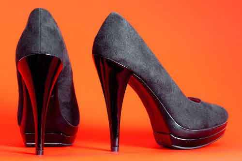 Basic-black-pumps