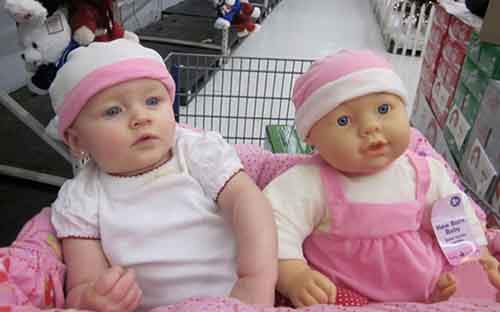 babies-and-look-alike-dolls-6__605